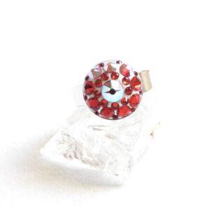 Malý červeno-bílý prstýnek mandala