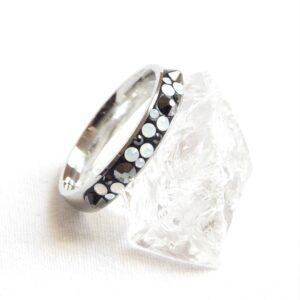 Úzký opálovo-hematitový prstýnek