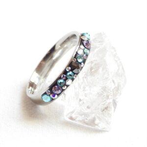Úzký fialovo-tyrkysovo-hematitový prstýnek