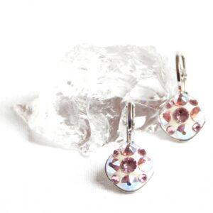 Malé růžovo-bílé kulaté čtverečky