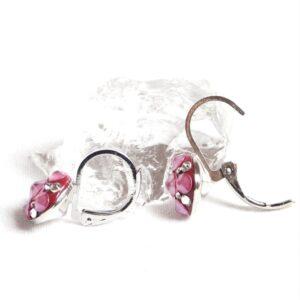 Malé matně růžové kulaté čtverečky